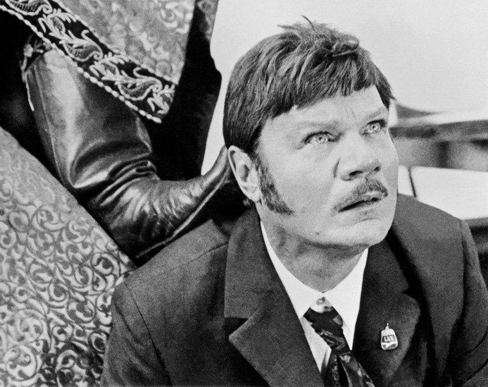 Фильм Иван Васильевич меняет профессию (1973) смотреть ...